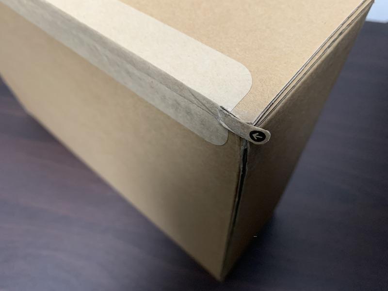 M1 MacBook Air郵送用段ボール箱テープ