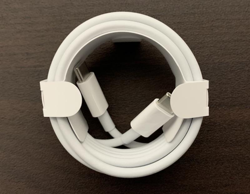 M1 MacBook Air純正USB Type-Cケーブル