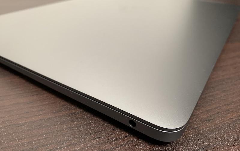 M1 MacBook Airイヤホンジャック
