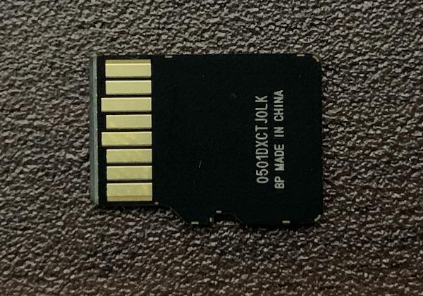 SanDisk microSDカード128GB裏側
