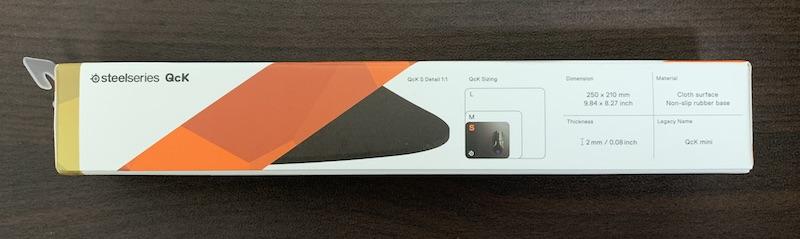 SteelSeries QcK miniパッケージ側面手前