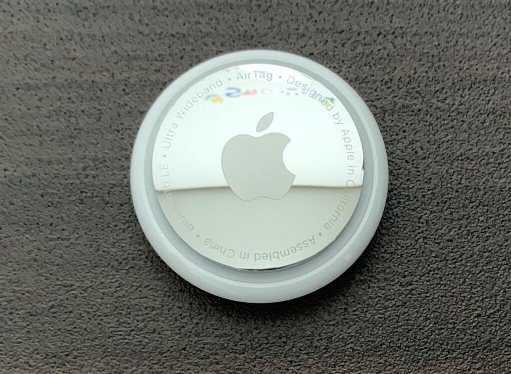 Apple AirTag前面