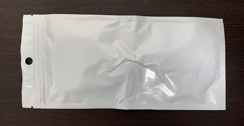 Eiuahgbx Apple AirTag ストラップ式ケースのパッケージ裏側