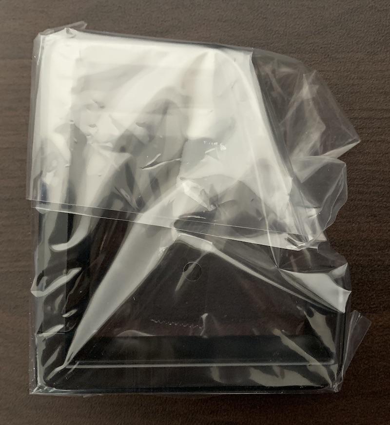 サンワサプライ回転式ヘッドホンフックPDA-STN18BKのビニール梱包状態