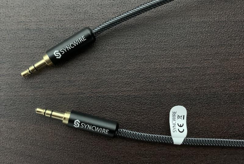 SYNCWIREの3.5mmステレオミニプラグ オーディオケーブルのコネクタ部分