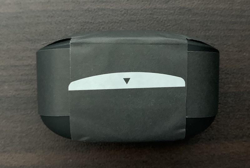 SONY WF-1000XM4のケース背面(紙で保護)