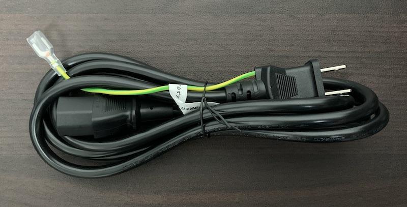 DELL S2721Qに付属の電源ケーブル