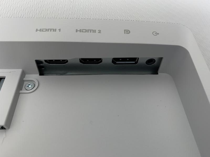 DELL S2721Qの背面端子類(HDMI、DisplayPort、オーディオラインアウト)