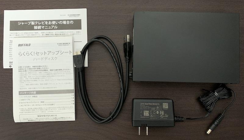 BUFFALO外付けHDD(HD-EDS6U3-BC)の内容物(付属品)