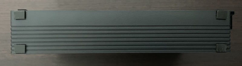BUFFALO外付けHDD(HD-EDS6U3-BC)の側面底側