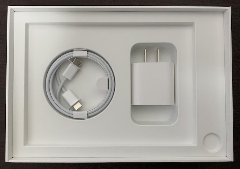 iPad mini6の付属品(USB-Cケーブル、充電アダプタ(20W))