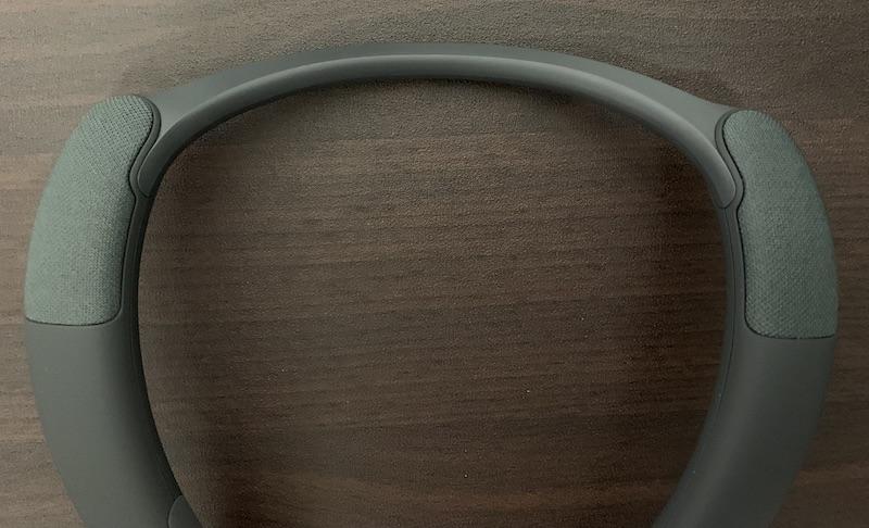 SONYワイヤレスネックスピーカーSRS-NB10の本体上側スピーカー