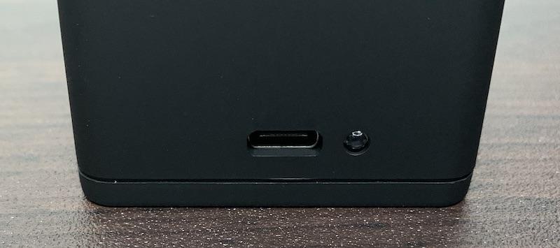 GoPro9、GoPro10で使えるVemicoのバッテリーと充電器(充電器背面)